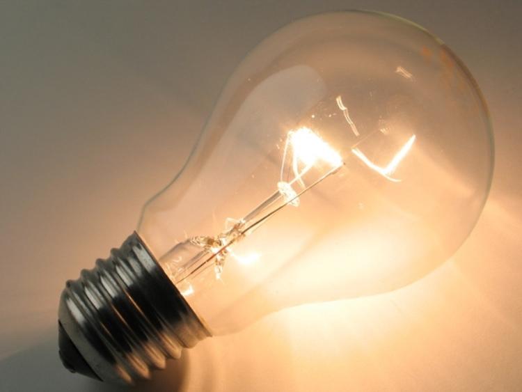 лампа накаливания горящая